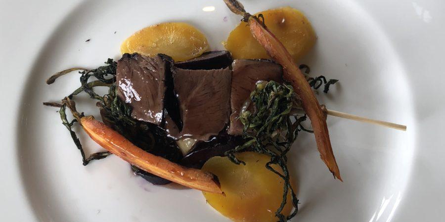 Prato do estrelado restaurante Dolce Stil Novo de Alfredo Russo no Piemonte.