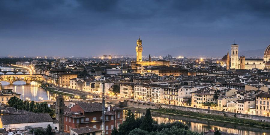 Cair da noite em Florença: existe cidade mais romântica?