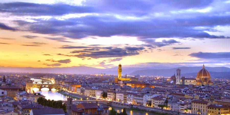 Entardecer no Piazzale Michelangelo: vista belíssima de Florença na melhor companhia