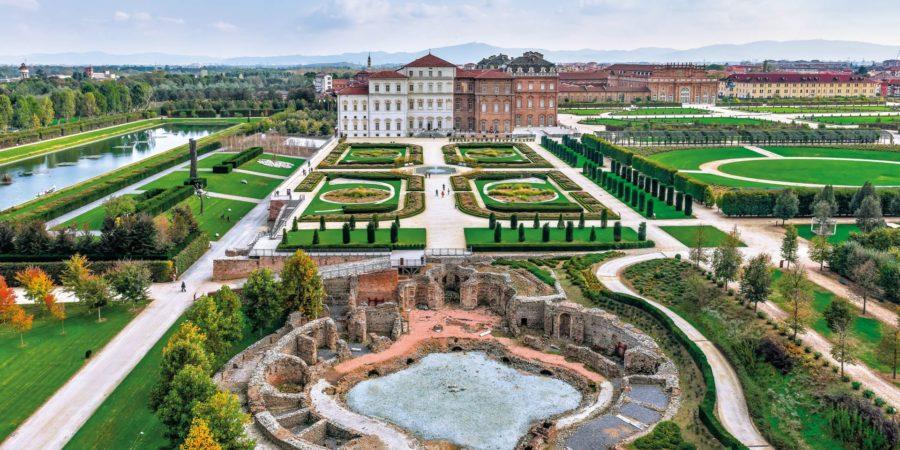 Vista dos jardins da Reggia di Venaria Reale nos arredores de Turim, Itália.